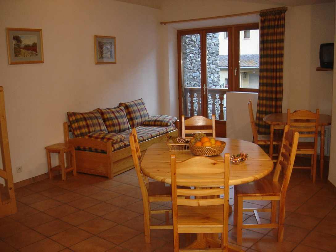 Val cenis la pastorale appartement les rhodos for Une salle de sejour